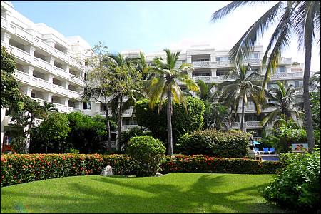 Hotel barcelo karmina palace deluxe manzanillo colima for Barcelo jardin mar
