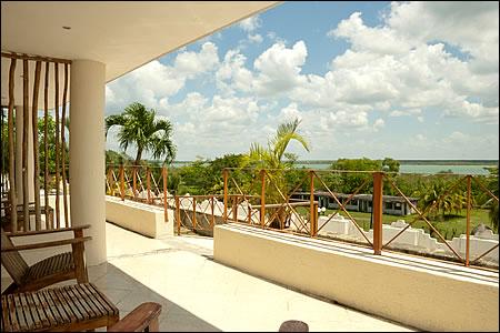 Villas bakalar bacalar quintana roo mexico for Hotel luxury villas bacalar